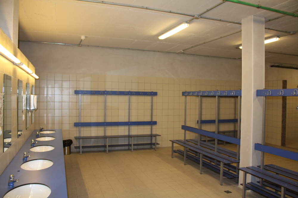 Changing rooms (semi-covered pitch)